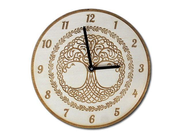 dřevěná gravírované hodiny