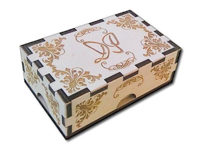gravírovaná krabička s monogramem