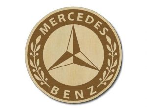 Podtácek Mercedes dřevěný