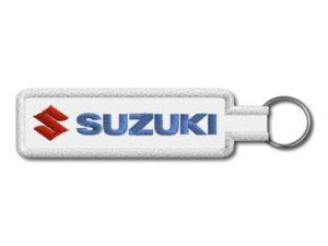 Klíčenka Suzuki bílá