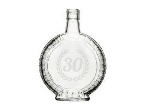gravírovaná skleněná láhev