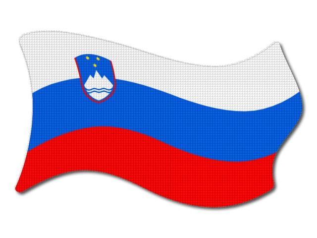 Slovinská vlajka vlající